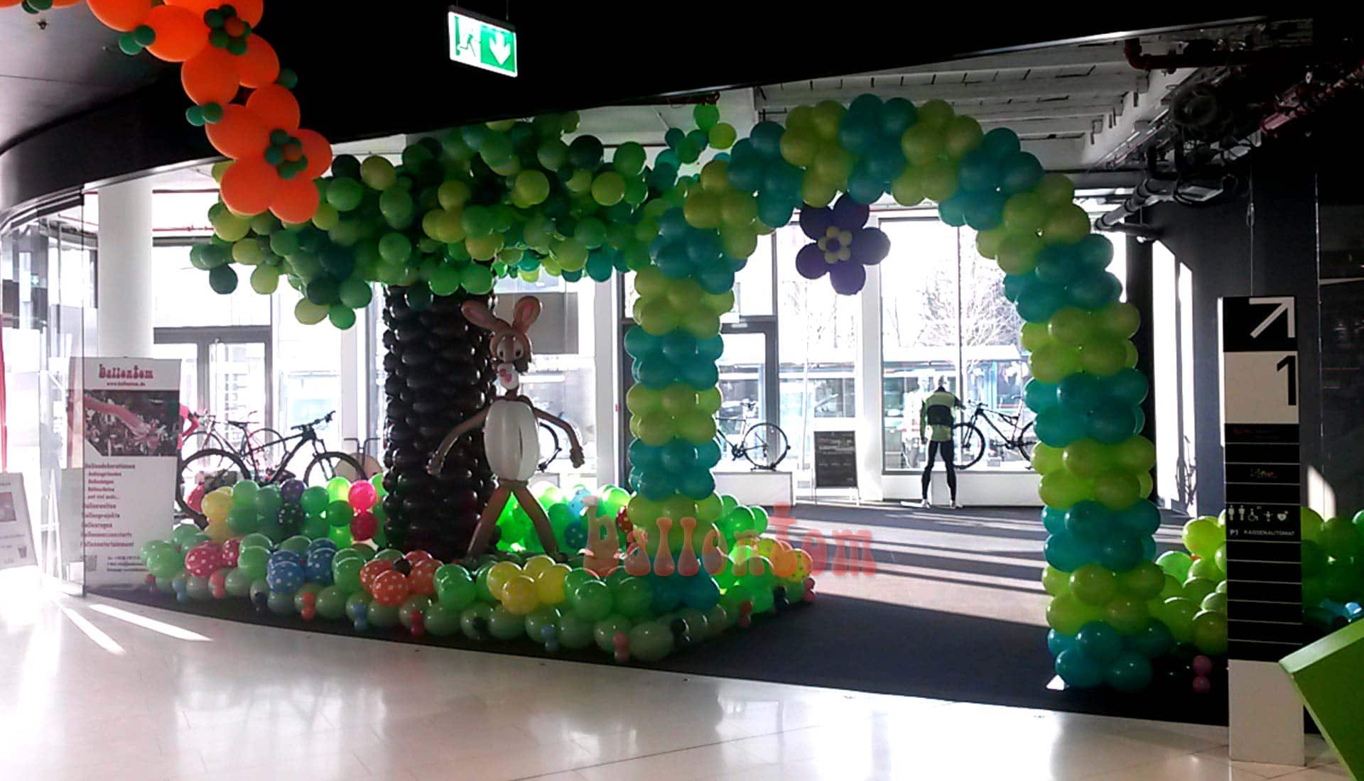 Ballonbogen für Mona Einkaufcenter München