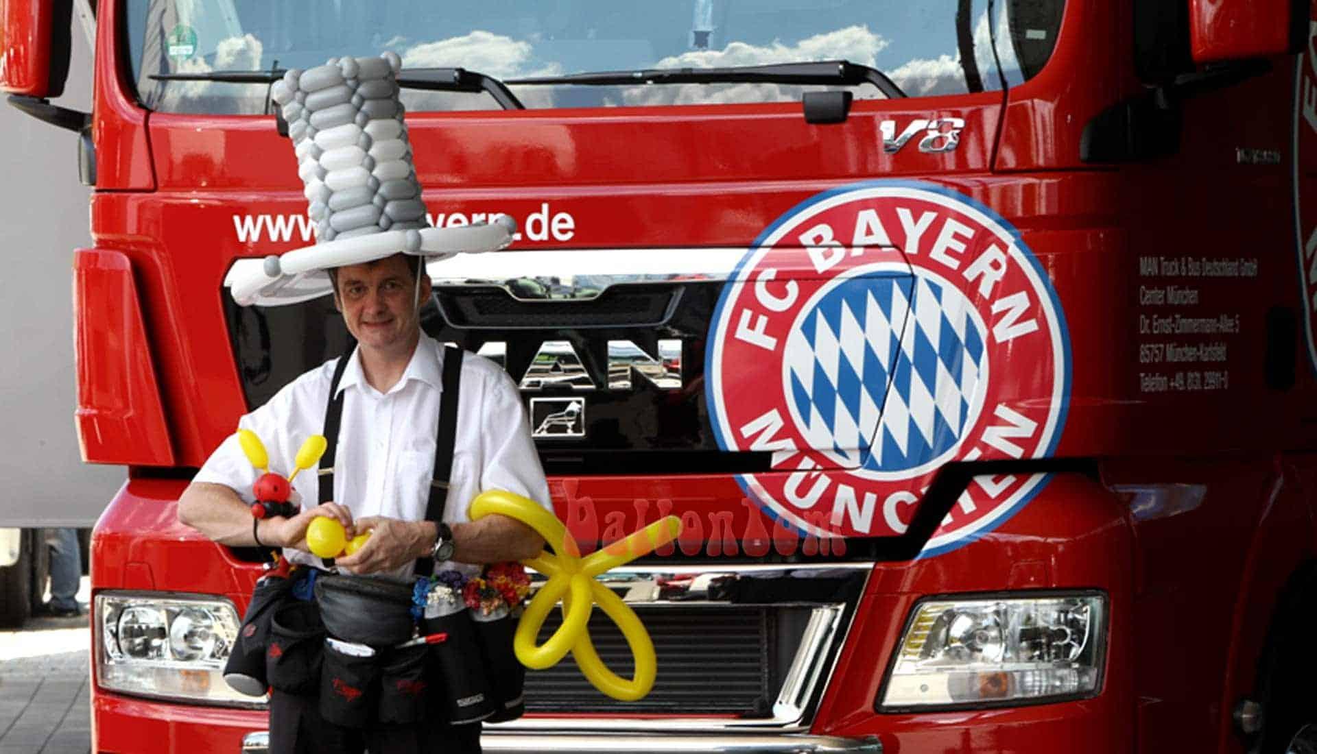 Ballonfanmodellage bei MAN in München mit ballontom