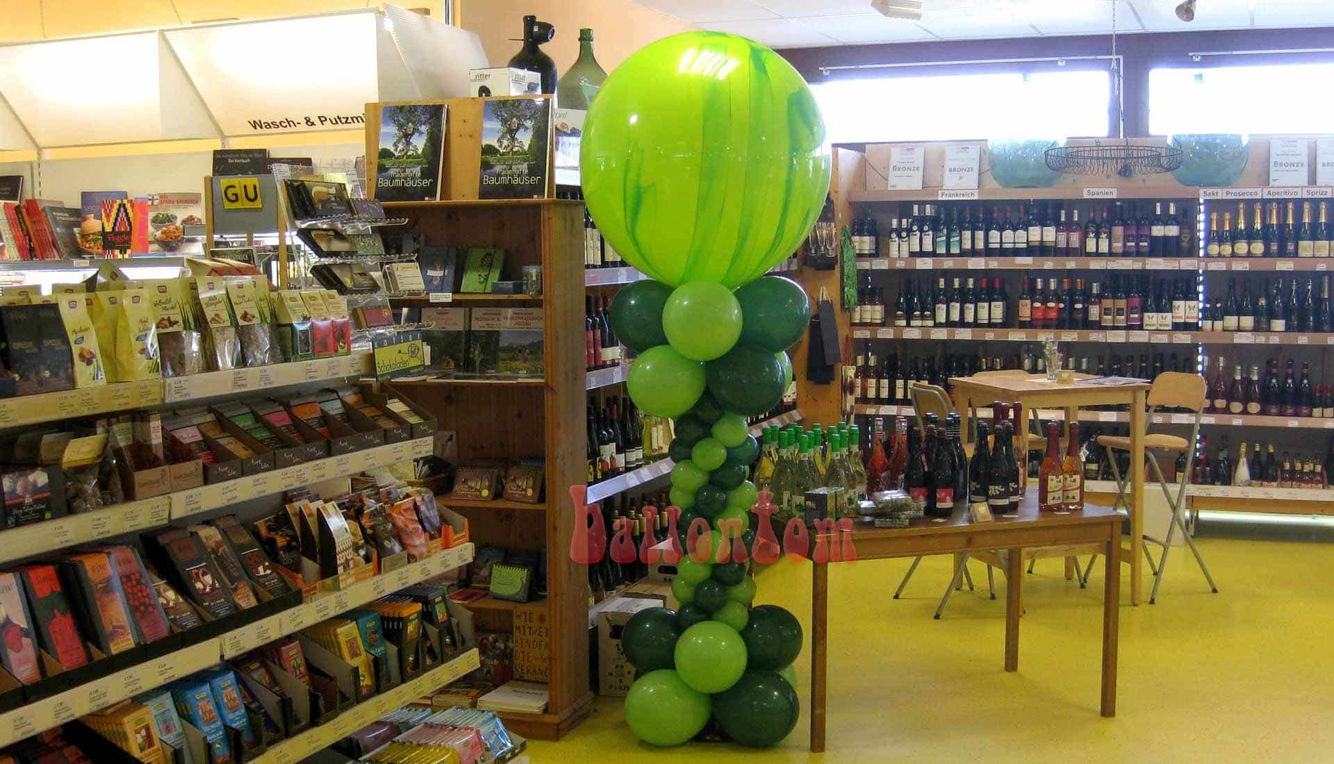 Ballonsäule für einen Bioladen