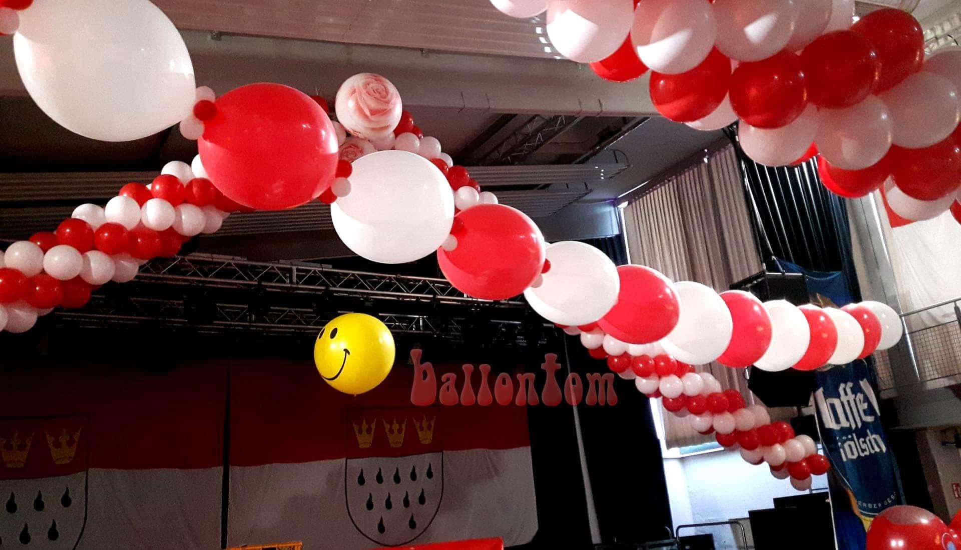 Ballonsmiley im Technikum München