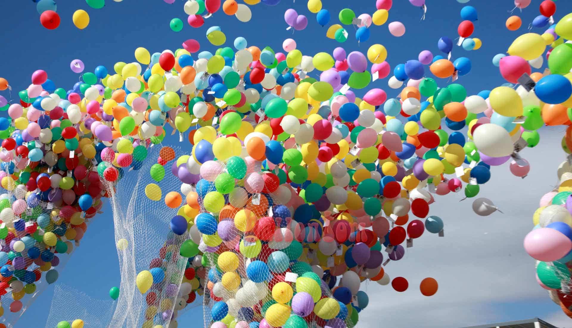 Ballonstart zur Jubiläumsfeier für ZF Friedrichshafen mit 25.000 Ballons von ballontom
