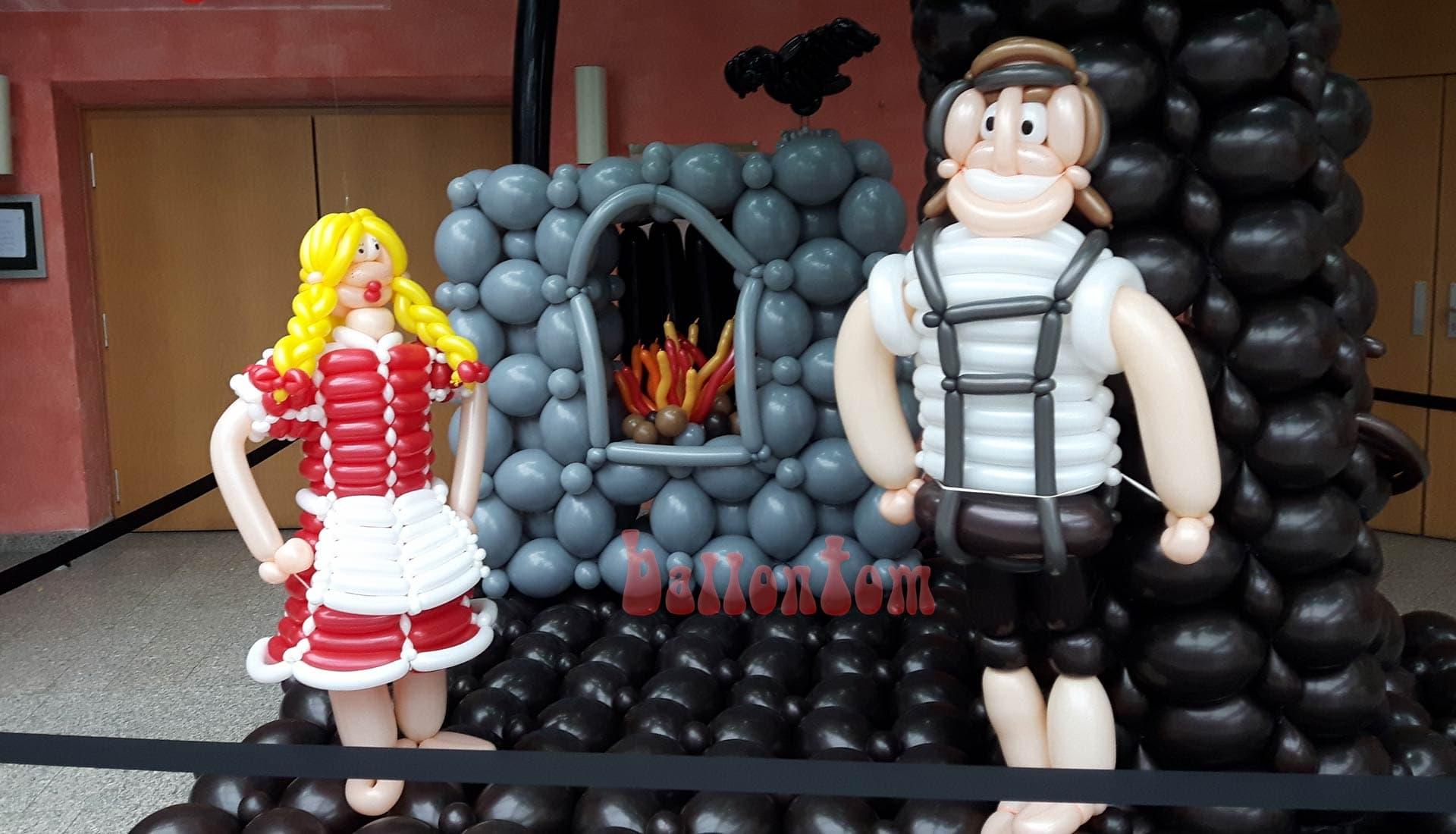 Ballonwelt zur Kinderoper Hensel und Gretel in Unterschleißheim Nähe München - Bild: Hensel mit seiner Gretel vor dem Ofen der Hexe