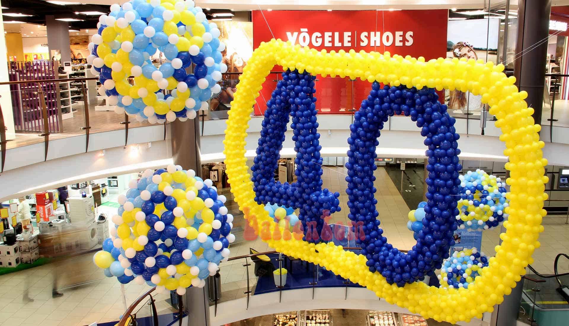 Ballondekoration zum Jubiläum Einkauf-Center