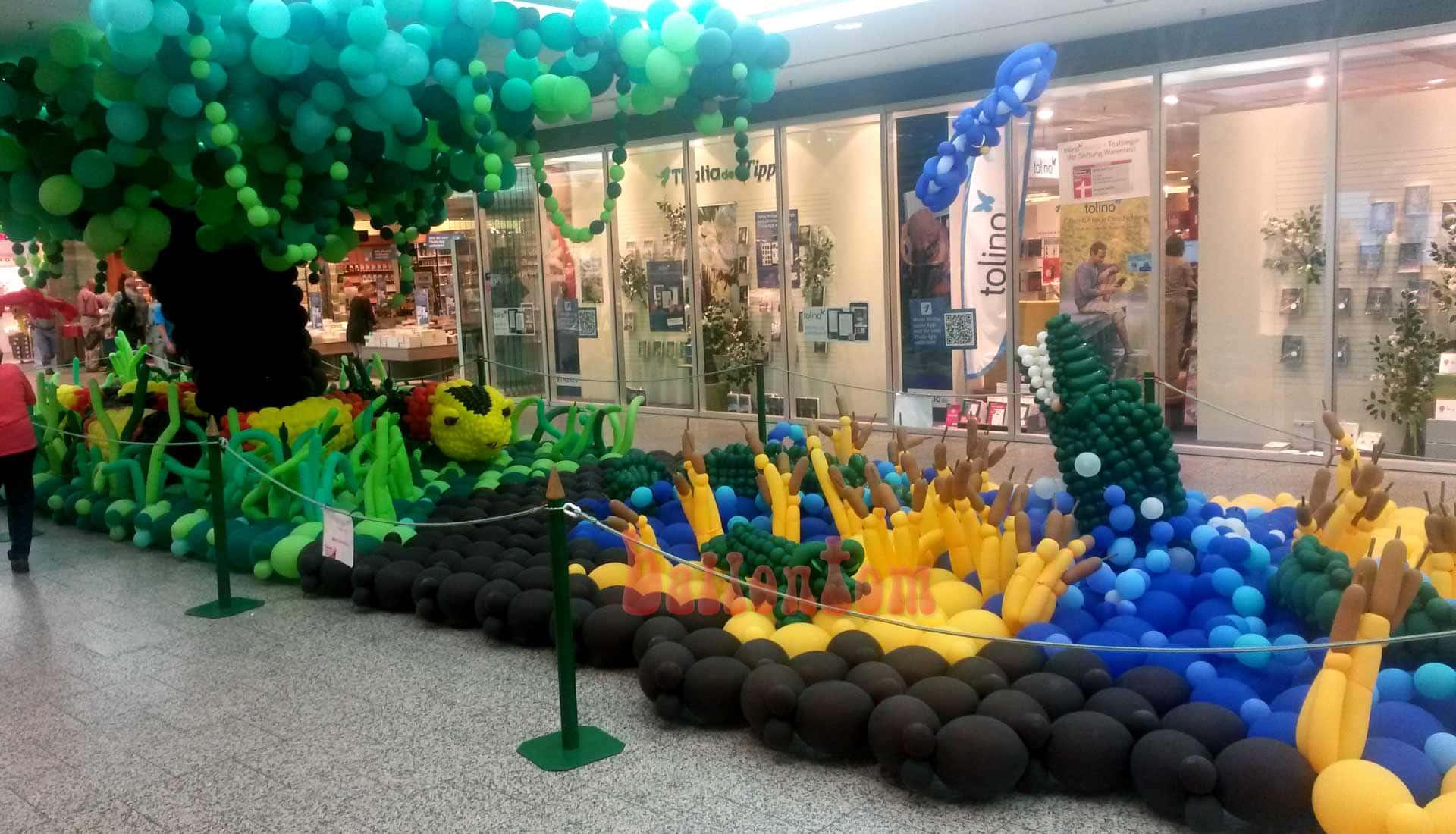 Ballonwelt im Rathauscenter Pankow in Berlin - Moto: Auf Safarie in Pankow - Bild: Krokodile