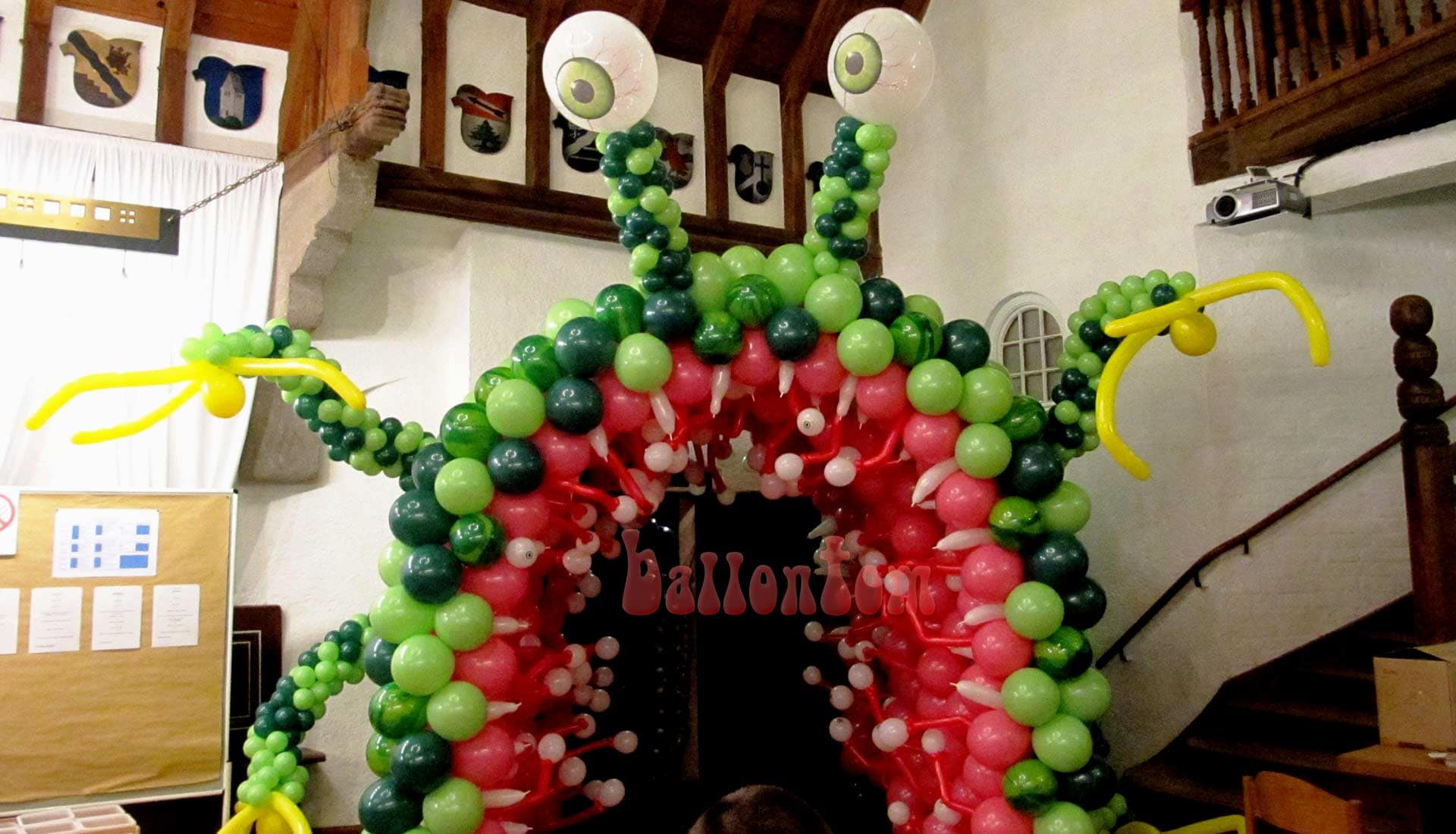 Monstertunnel von ballontom