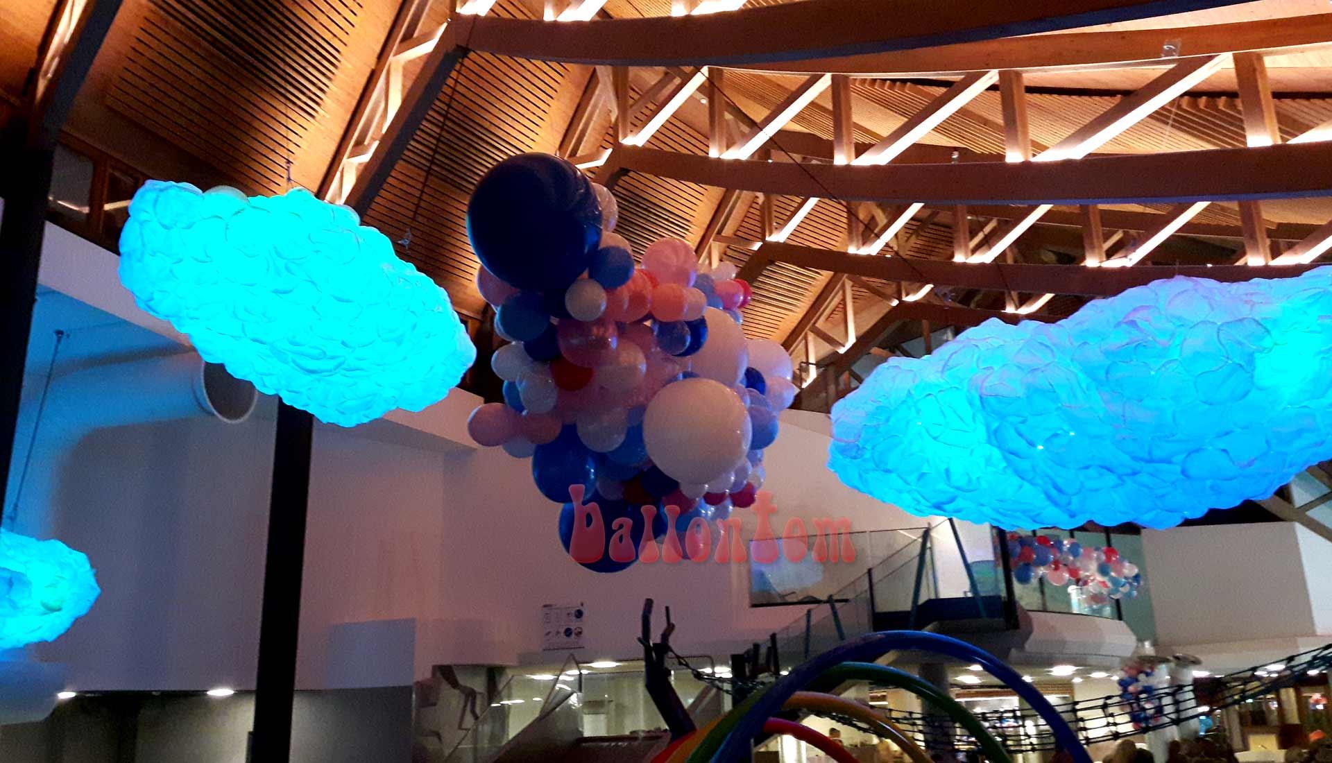 Blaue Organic-Wolken im Säntispark / Schweiz - Projekt: Ballonhaus.ch - Unterstützt durch ballontom