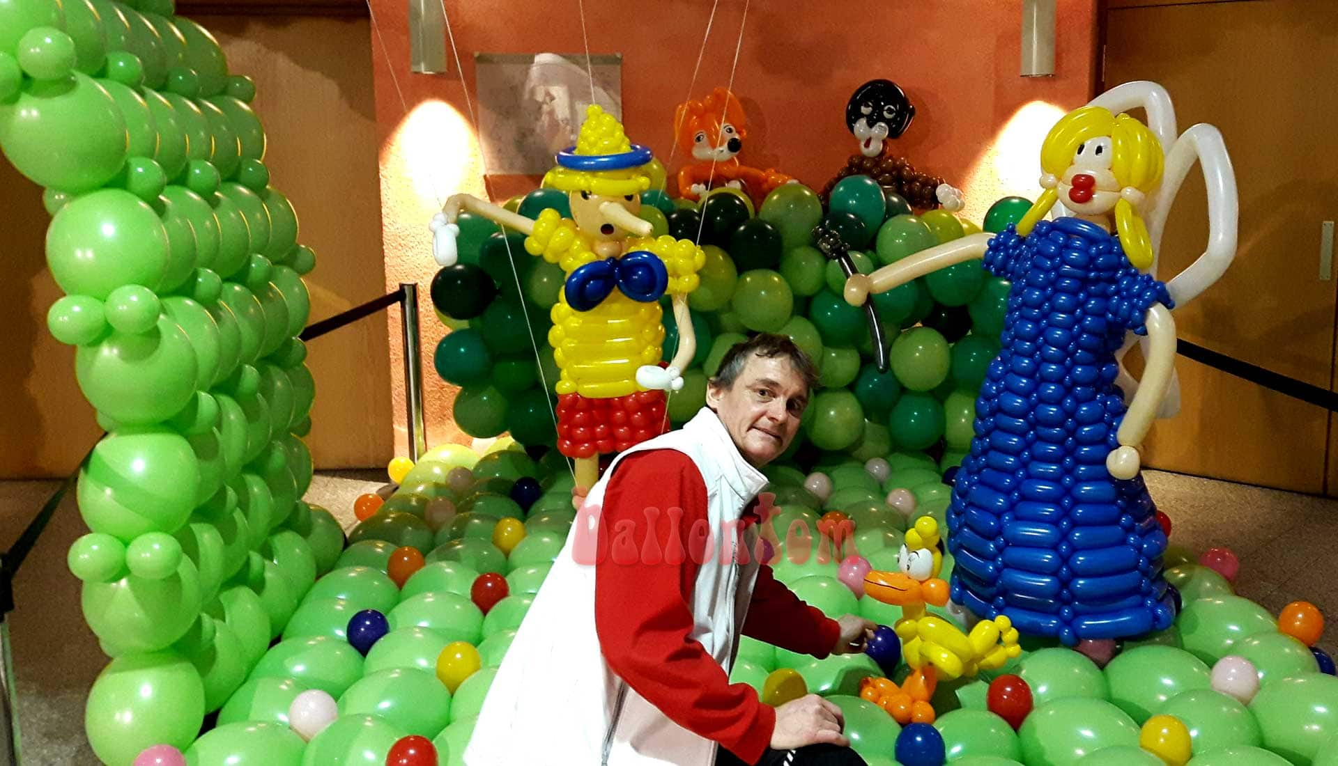 Ballonwelt zur Kinderoper Pinocchio in Unterschleißheim Nähe München - Bild: Pinocchio, Gute Fee und die Bösewichter mit ballontom