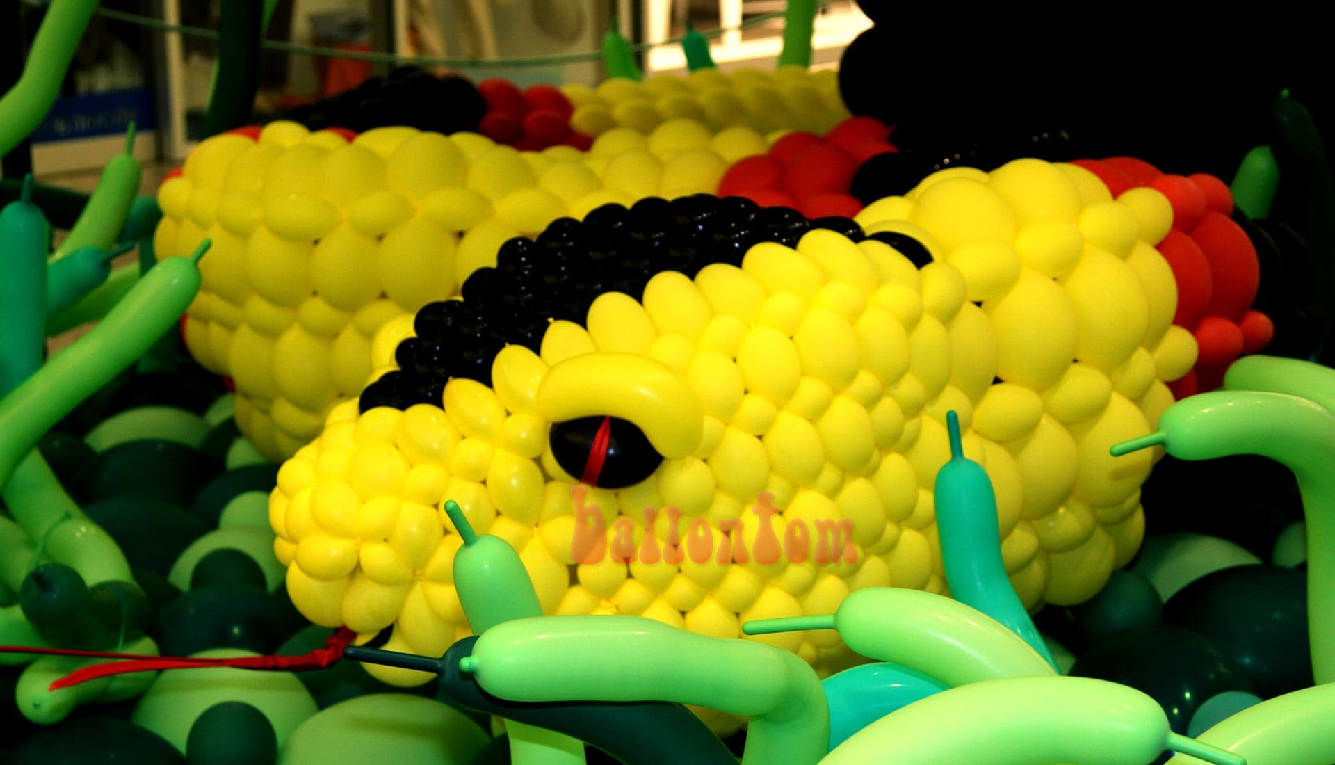 Ballonwelt im Rathauscenter Pankow in Berlin - Moto: Auf Safarie in Pankow - Bild: Schlange