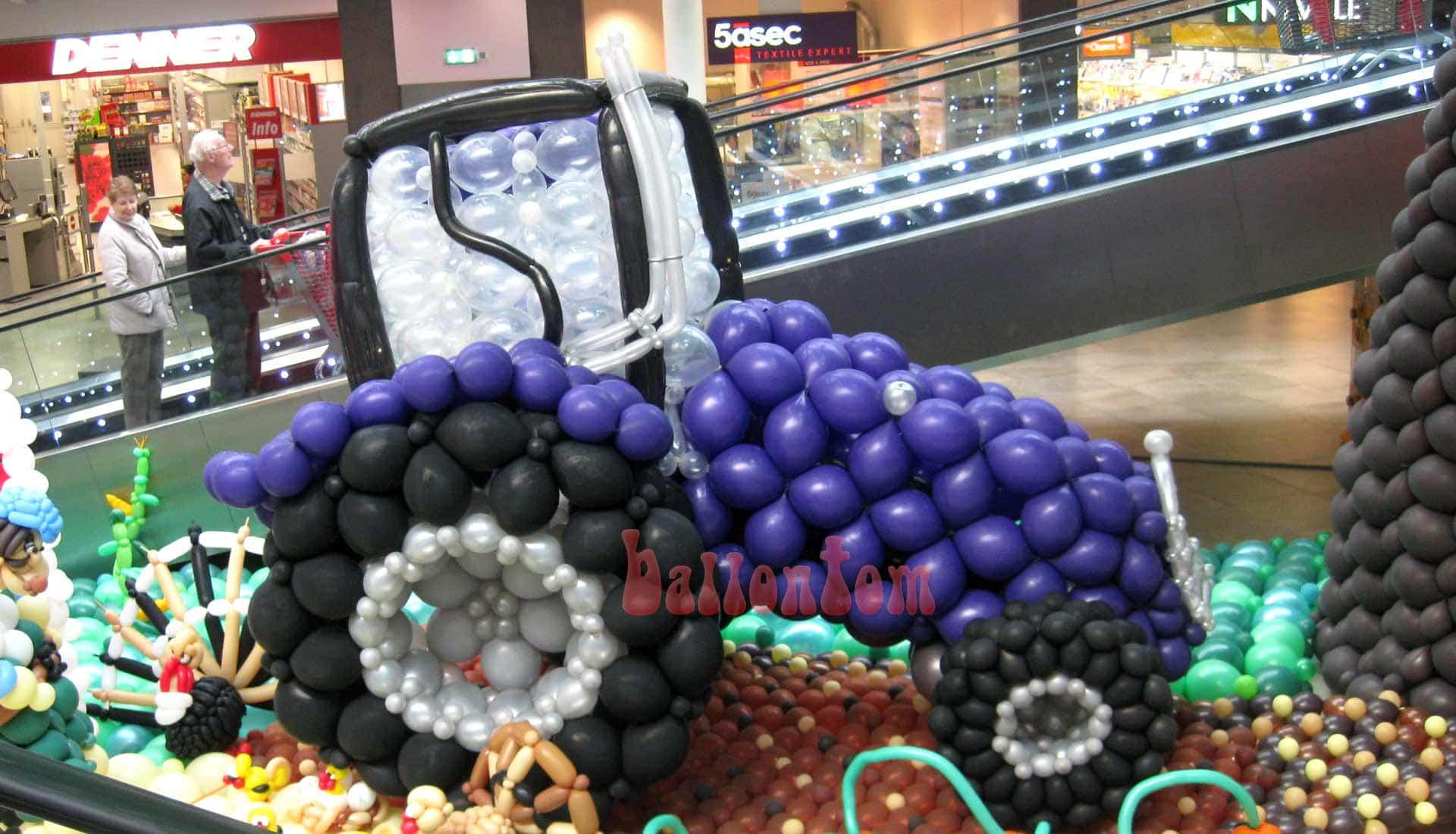 Ballonwelt Lausanne - Schweiz - Traktor - Projekt: Canniballoon Team Didier Dvorak - Unterstützt durch ballontom