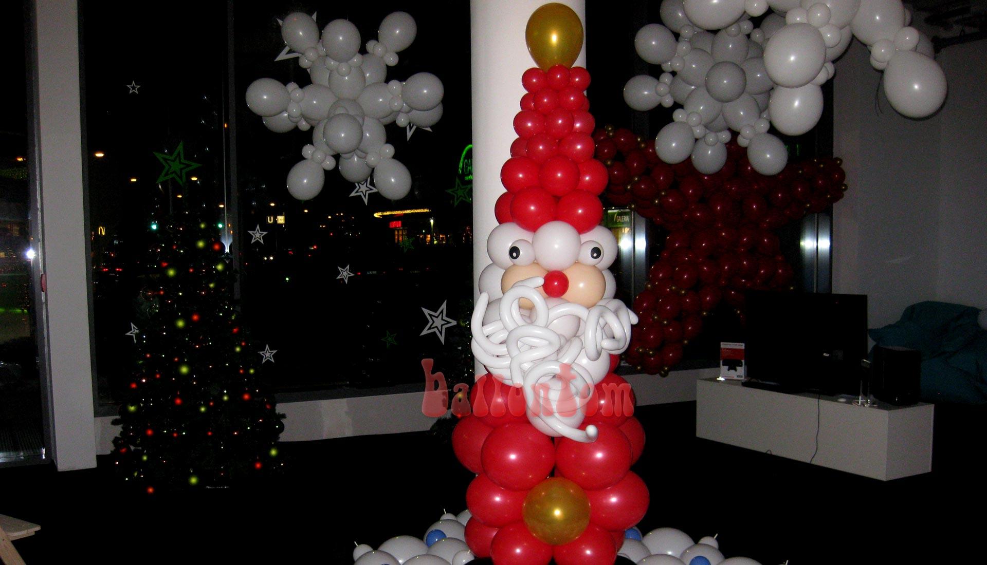 Weihnachtsmann für das Mona Einkauf-Center in München