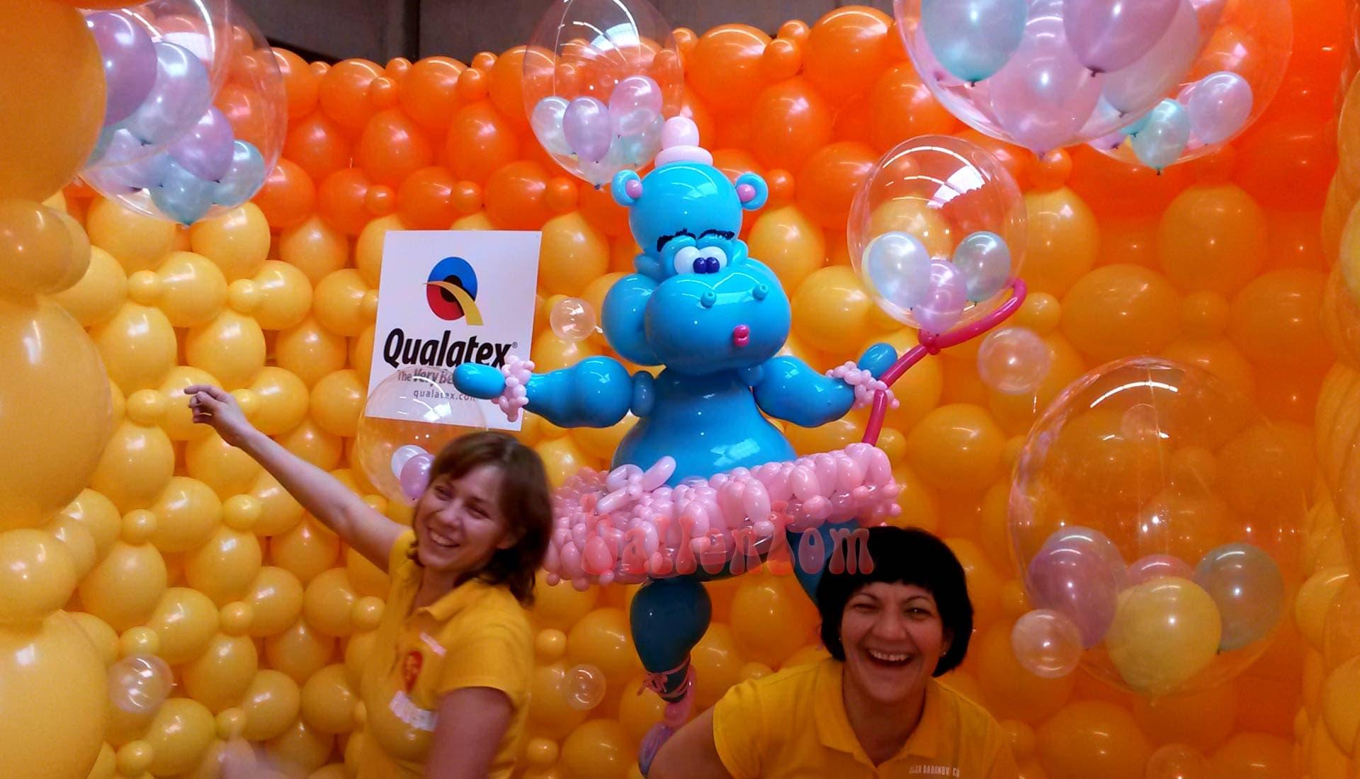 Weltrekord! Größtes Ballonlabyrinth mit über 100.000 Ballons mit ballontom - Nilpferd mit russischen Team