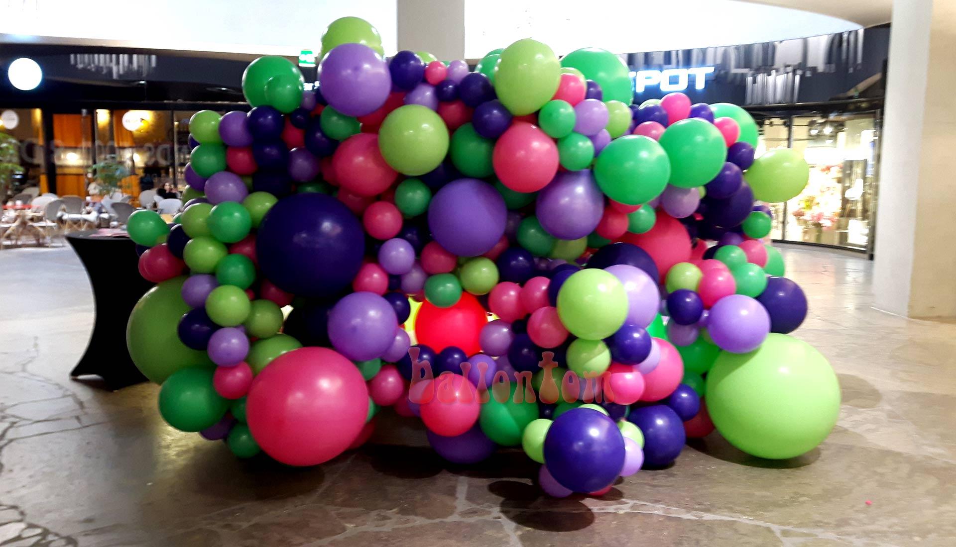 Organic Ballonwand fuer Einkaufspassage in München - Projekt: Sina Greinert - Unterstützung durch ballontom