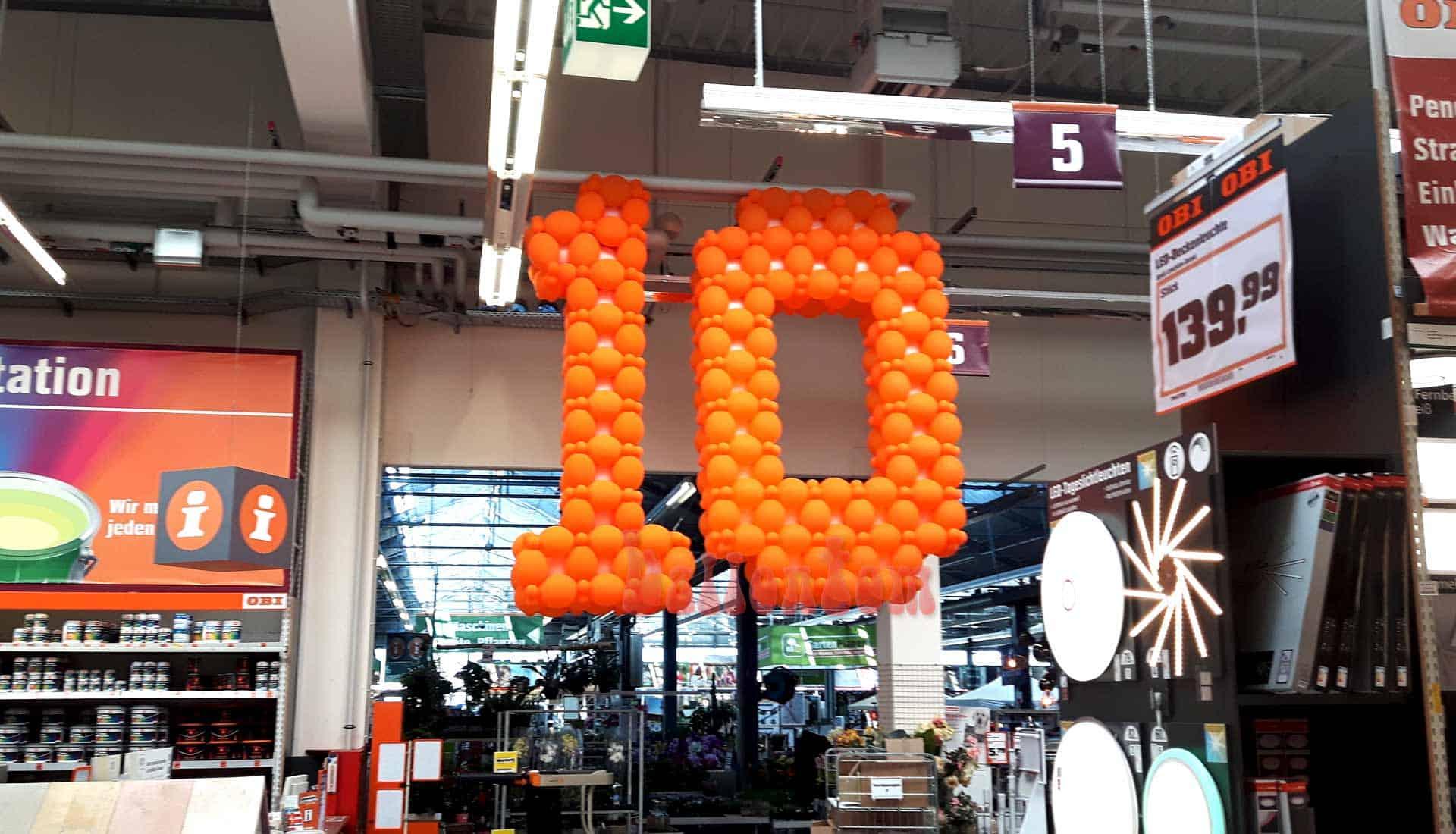 Ballonzahlen zum 10. Filialgeburtstag von OBI in Landsberg - Projekt von ballontom