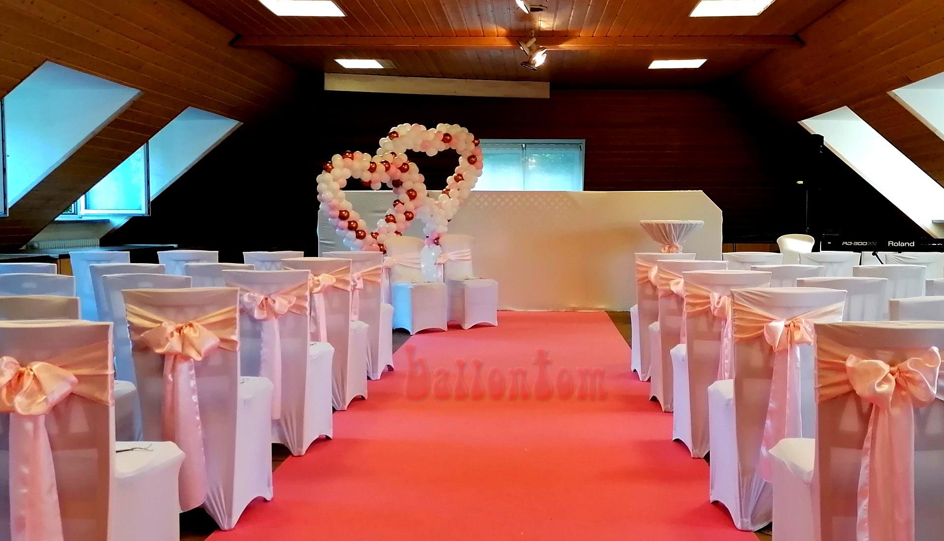 Herzdekoration aus Luftballons für Ihre Hochzeit